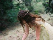 户外唯美女生图片-唯美漂亮的美女图片